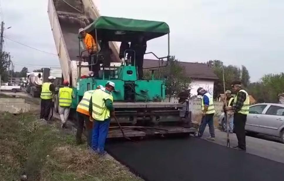 Covor asfaltic pe drumul  DJ606A, Breasta -Argetoaia